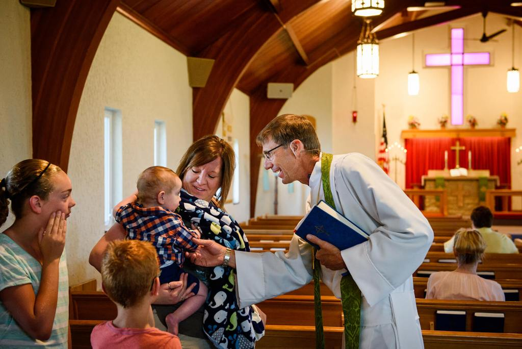 Immanuel Lutheran Church, Livermore, Iowa, and Zion Evangelical Lutheran Church, Lu Verne, Iowa, greets Alicia Woods and her family, including Rachael, Max and baby Drew at the church in Livermore on Sunday, July 9, 2017. LCMS Communications/Erik M. Lunsford