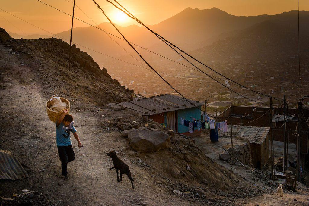 The sun sets over San Juan de Lurigancho. Erik Lunsford / LCMS COMMUNICATIONS